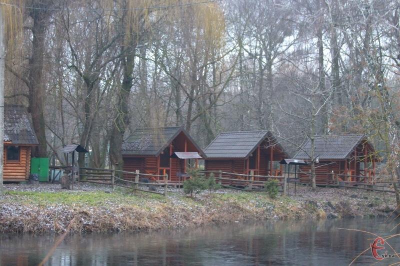 Будиночки Простоквашино також мають зникнути з парку