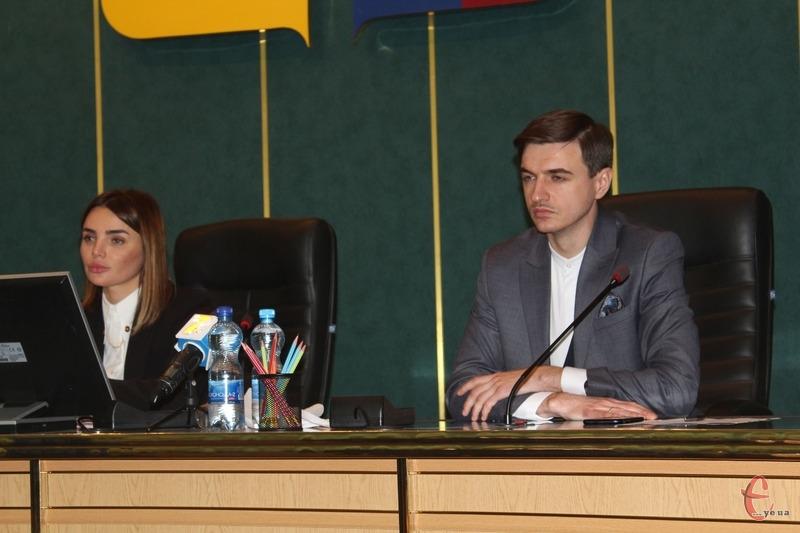 Головою обласної ради стала Віолета Лабазюк, а її заступниками Володимир Гончарук і Валентин Соколюк