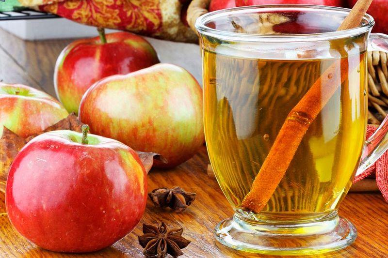 Навіть натуральний яблучний оцет вживайте з обережністю, якщо страждаєте на недуги шлунково-кишкового тракту
