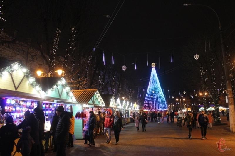 У новорічну ніч біля головної ялинки Хмельницького не будуть проводити традиційних святкувань