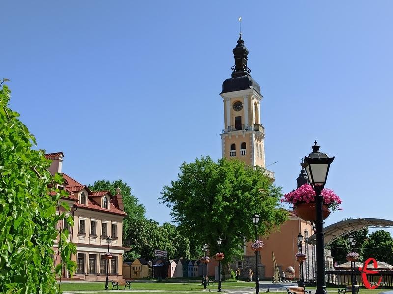 Ратуша в Старому місті Кам'янця-Подільського – одна з візитівок туристичного міста