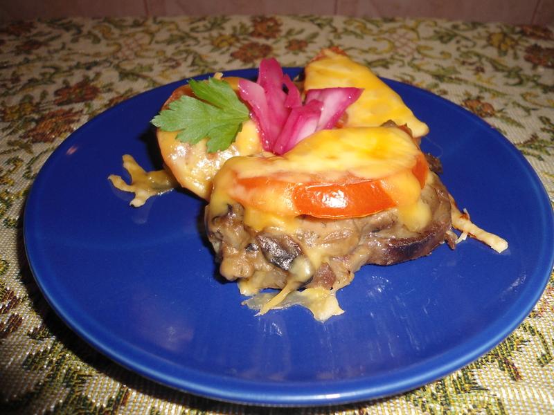 Яловичий язик — продукт універсальний, із нього можна зробити безліч найрізноманітніших цікавих страв - закусок, салатів, гарячих страв.