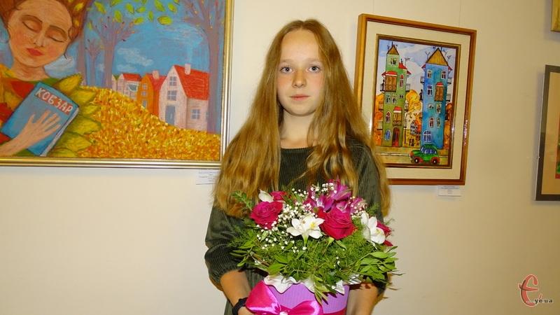 Вікторія Сис представила свою першу персональну виставку