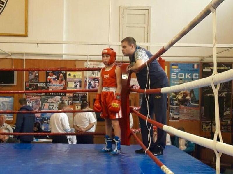 Віталій Грабовський в фіналі переміг боксера з Донеччини та став чемпіоном України в ваговій категорії до 41,5 кілограми