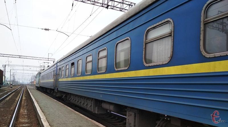 Через Хмельницький курсуватиме додатковий потяг Львів-Одеса