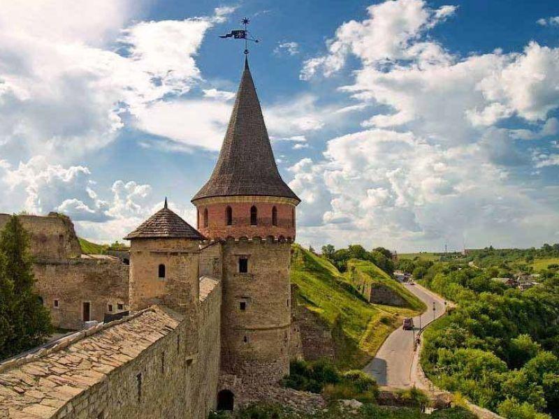 Конструкція донині збереглася у Старому замку на третьому ярусі вежі Лянцкоронської