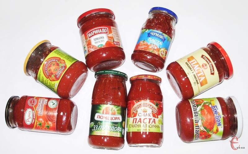 Кореспонденти «Сімейної газети» в межах чергової дегустації з'ясували, що, окрім помідорів, виробники додають у томатне пюре