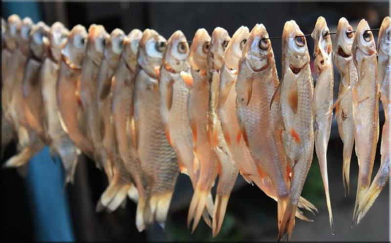 31-річна жінка отруїлася з'ївши в'ялену рибу.