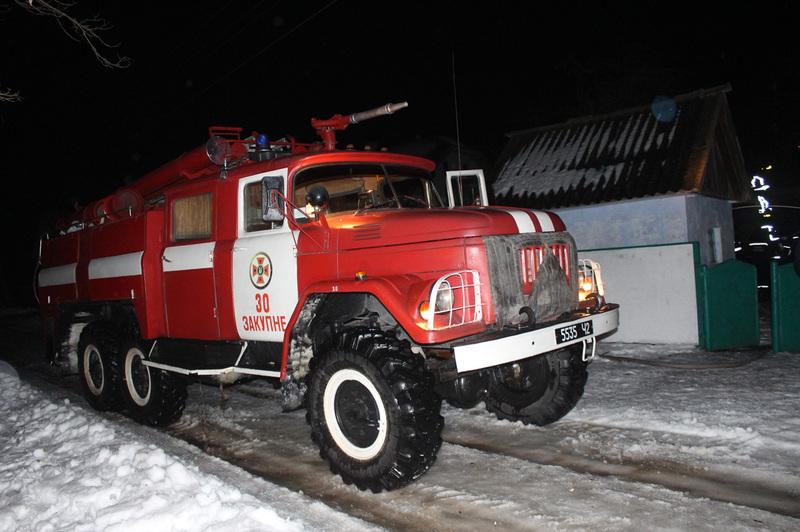 У Чемеровецькому районі пожежу загасили, але людей врятувати не вдалося
