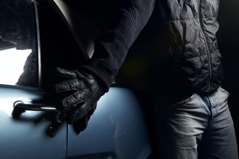 Особи крадіїв невідомі