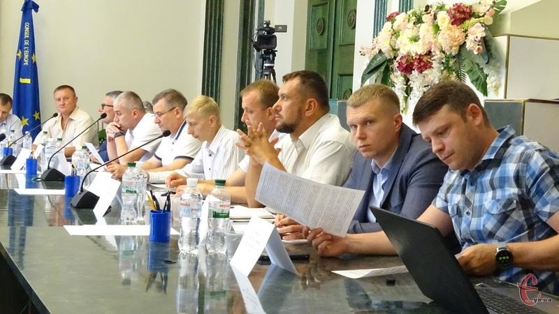 У міській раді сьогодні обговорювали зміни порядку обслуговування внутрішньобудинкових газових мереж