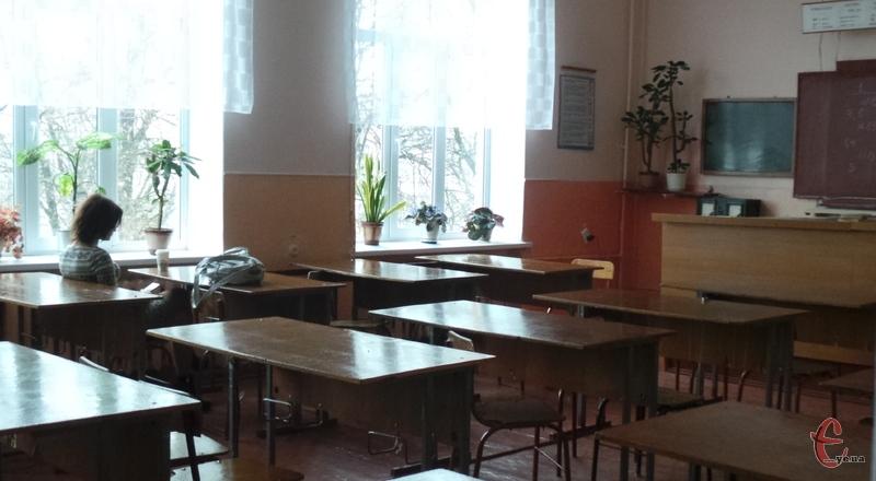 Школи Хмельницького закриватися на карантин поки не будуть