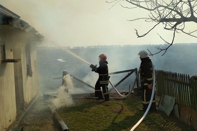За минулу добу на Хмельниччині ліквідовано 6 пожеж