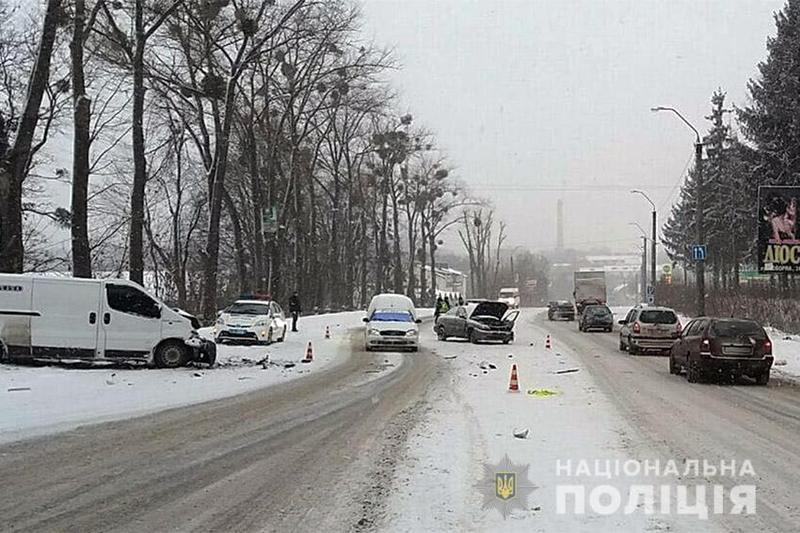 У ДТП на Старокостянтинівському шосе постраждали люди