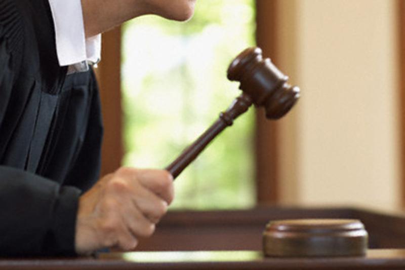 Суд зобов'язав підприємця повернути кошти і сплатити пеню