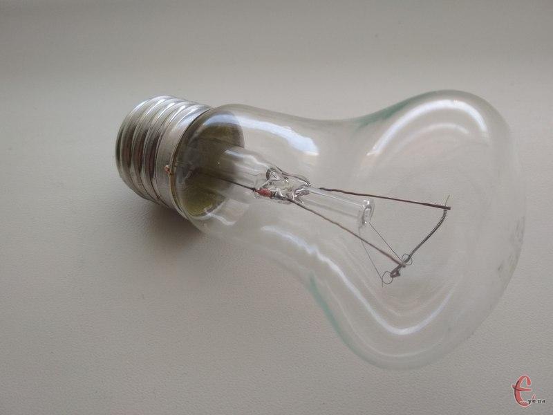 Електрики попереджають хмельничан відключення електроенергії. Фото: з архіву