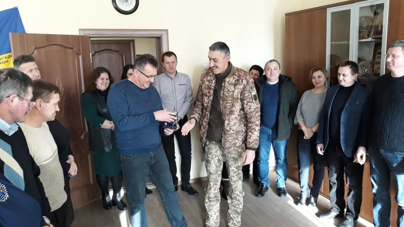 Нагороду Олександр Собань отримав з нагоди дня волонтера.