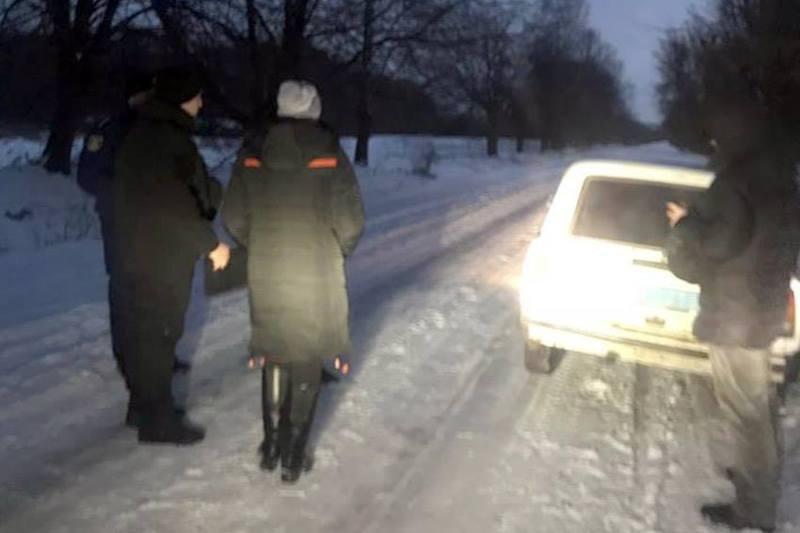 Тіло чоловіка знайшли у лісі під Новою Ушицею