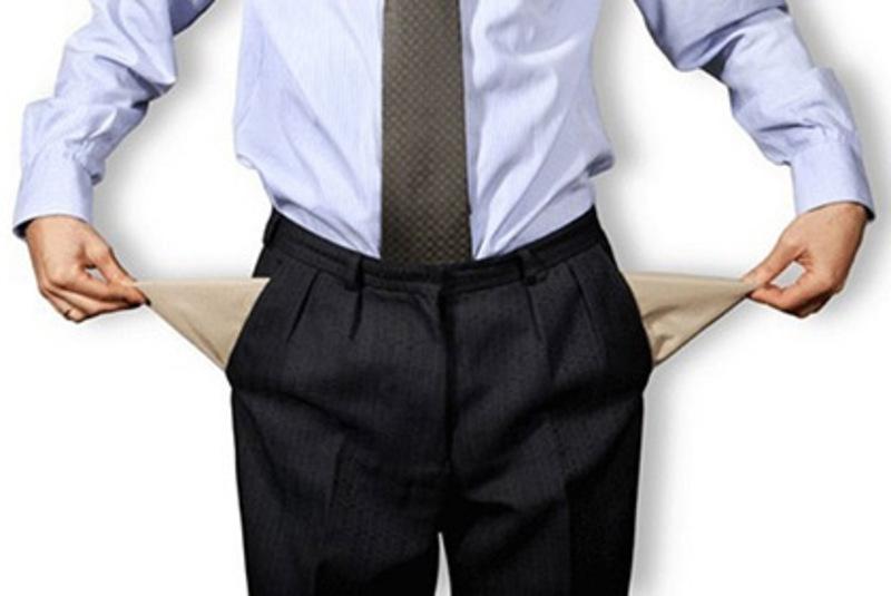 Середньомісячна заробітна плата одного штатного працівника у лютому поточного року в області становила 2833,8 гривень.