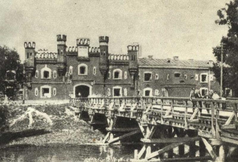 Брестская крепость накануне немецкого штурма.