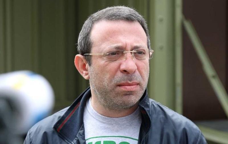 Из официальных объяснений СБУ и Генпрокуратуры становится очевидно, что Корбана подозревают в том, что он может быть руководителем организованной преступной группировки