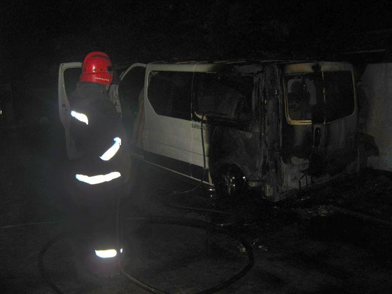 За попередньої версією, автомобіль хтось підпалив