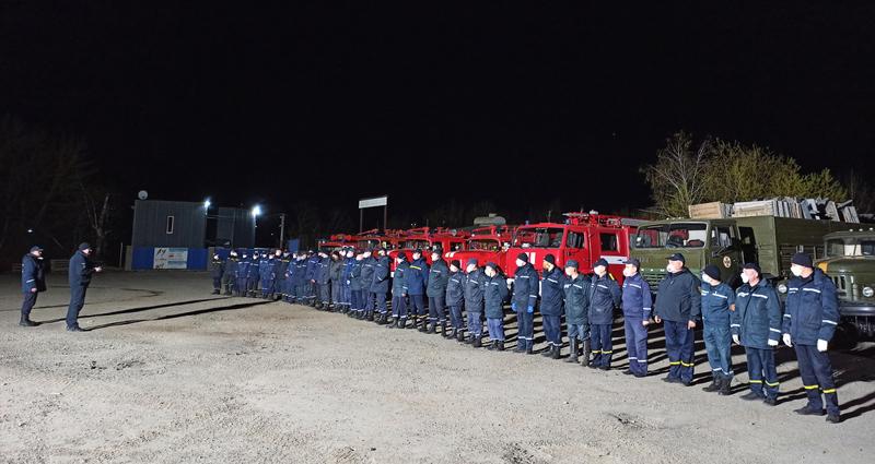 Більше сотні рятувальників відправились гасити пожежі в Чорнобильській зоні