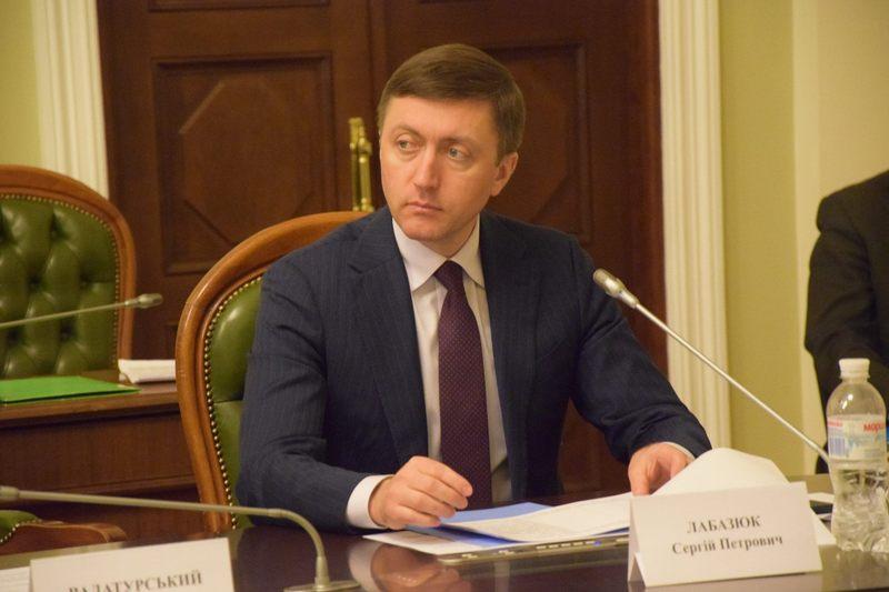 Сергій Лабазюк каже, текст законопроекту №6232, зокрема, нараховує більше 4 тисяч поправок.