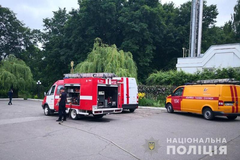 З приміщення евакуювали усіх людей і провели повну перевірку будівлі та прилеглої території