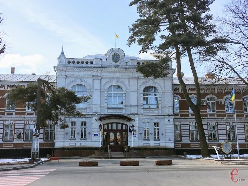 Заступники Хмельницького міського голови прозвітували про доходи і статки за 2020 рік