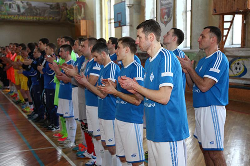Синьо-білі хмельницькі поліцейські виграли домашній турнір із футзалу