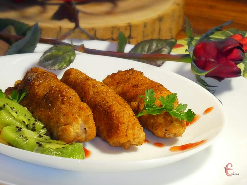 М'ясні завиванці можна їсти гарячими й холодними, подавати на обід, вечерю або святковий стіл.