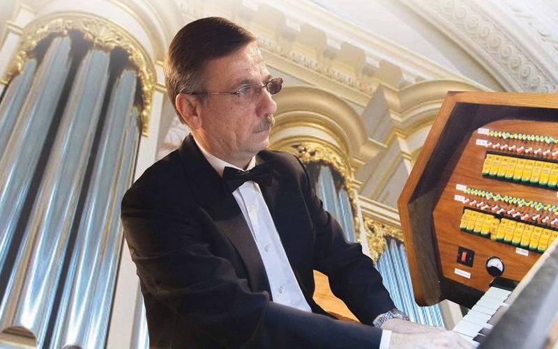 Твори видатних композиторів зіграє органіст з Луцька