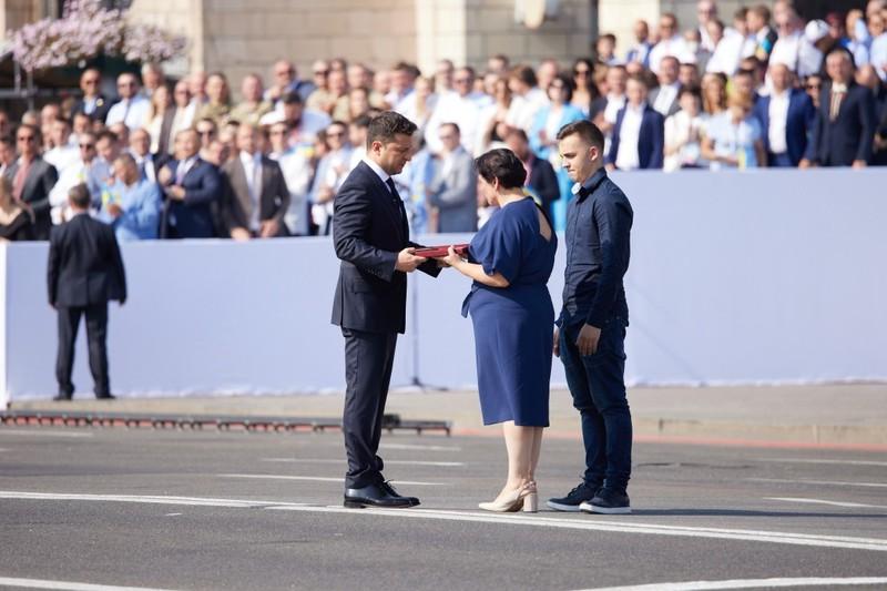 Державні нагороди президент вручав під час урочистостей у Києві