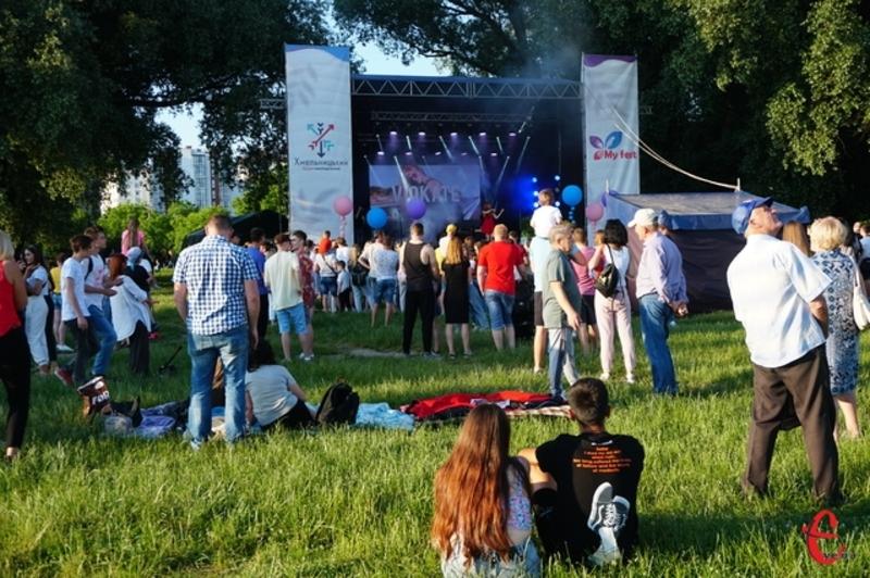 В Україні свято молоді 12 серпня офіційно почнуть відзначати лише у наступному році