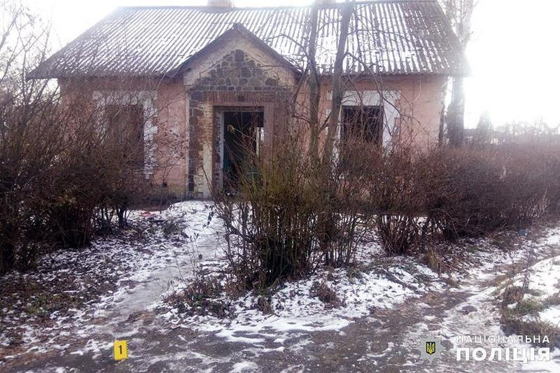 6 грудня, в закинутій будівлі поблизу залізничного вокзалу в райцентрі Полонне знайшли тіло немовляти