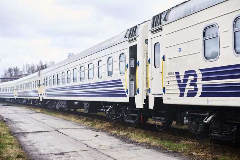 Продаж квитків на потяги до Чернівецької та Житомирської областей припинять з 00:00 7 березня