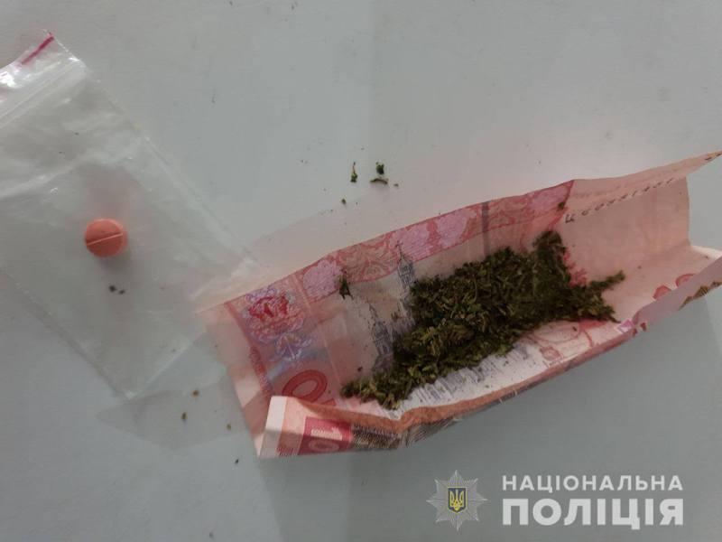 У двох мешканців Хмельниччини рівненські правоохоронці виявили наркотики