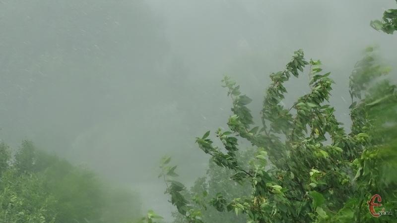 Рятувальники повідомляють про погіршення погодних умов на території області