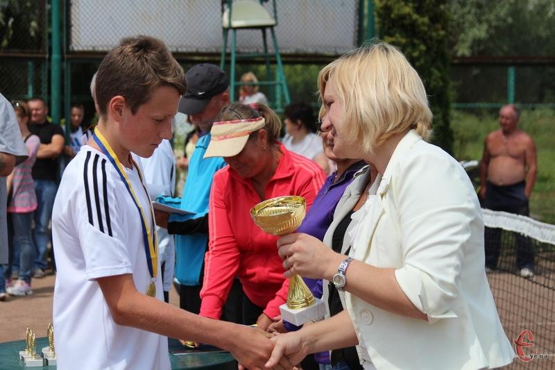 Хмельничанин Сергій Антонюк переміг в одиночних змаганнях, а в парі з Данилою Горобцем став срібним призером