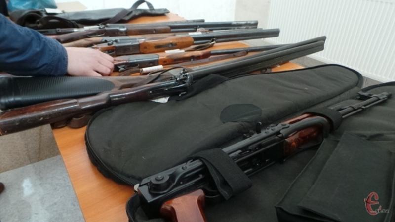 Щоб легалізувати зброю, потрібно звернутись в обласне управління поліції