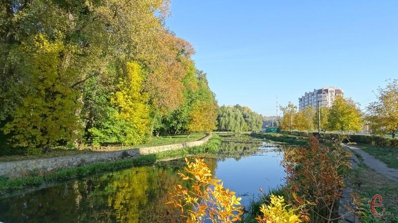 Яскраві міські пейзажі Хмельницького у жовтні