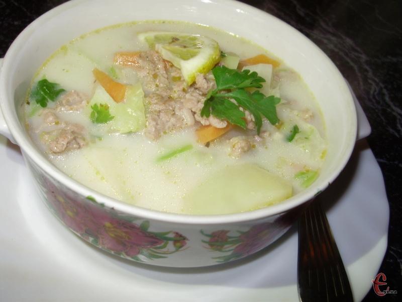 «Zuppa Toscana» — легендарний суп родом із Італії.