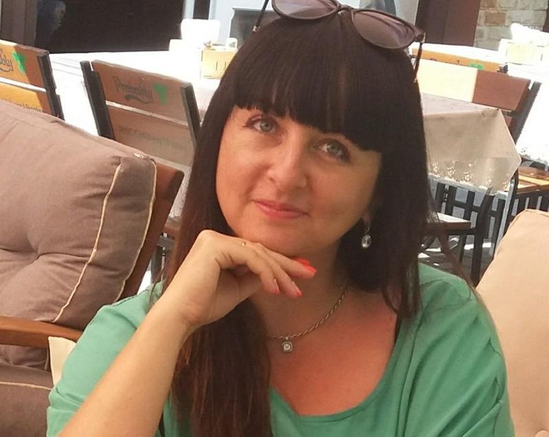 Жанна Кордас є помічником на громадських засадах нардепа Володимира Ватраса
