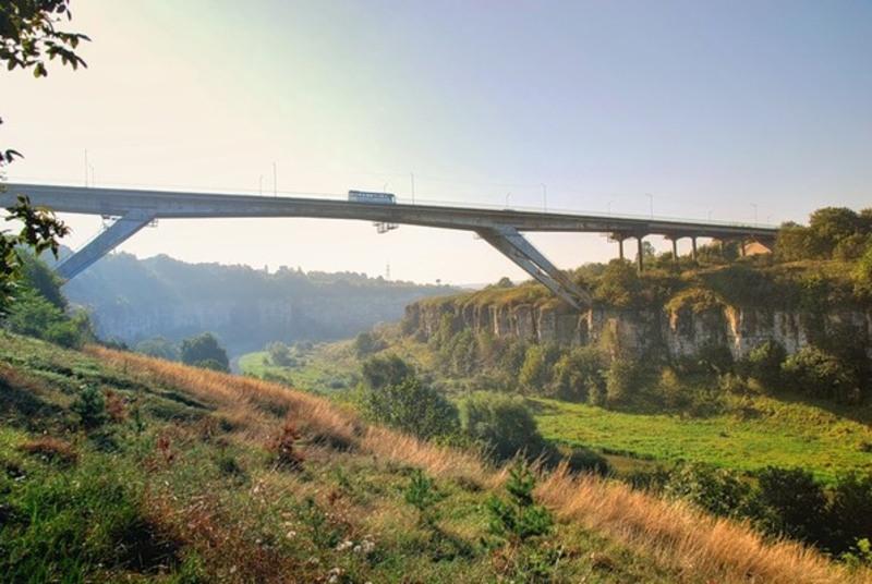 21 серпня 1973 року завершилось будівництво мосту «Стрімка лань» у Кам'янці-Подільському