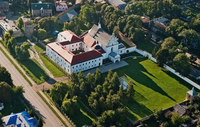Санктуарій Летичівської Богородиці – одна з пам'яток архітектури XVII століття