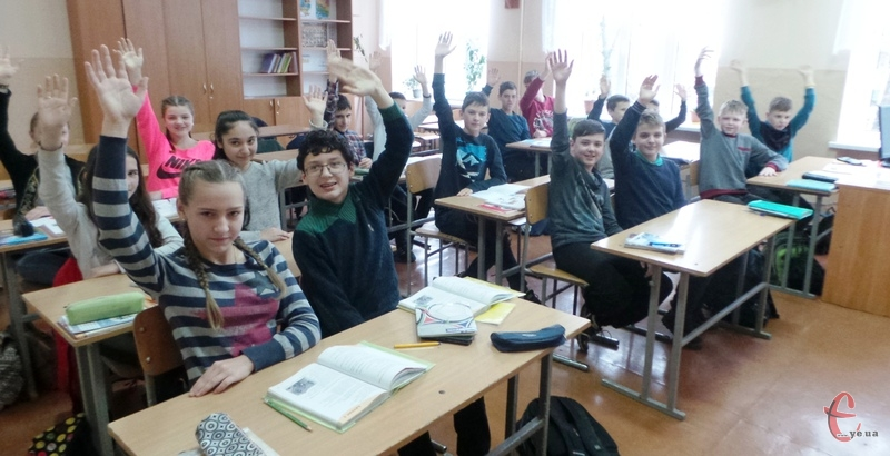 З понеділка, 14 січня навчання у школах відновиться