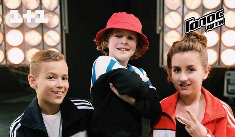 Єгор (зліва) покинув на цьому етапі вокальне шоу