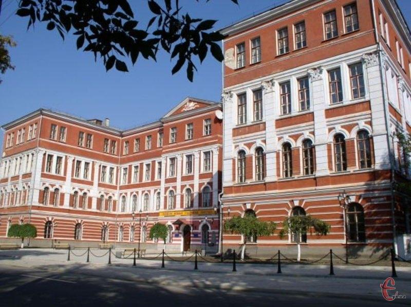 Національний університет імені Івана Огієнка увійшов у ТОП-100 українських вищих навчальних закладів