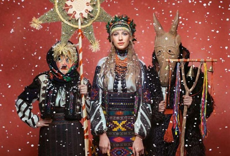Кожен місяць у календарі присвячено традиційному українському святу